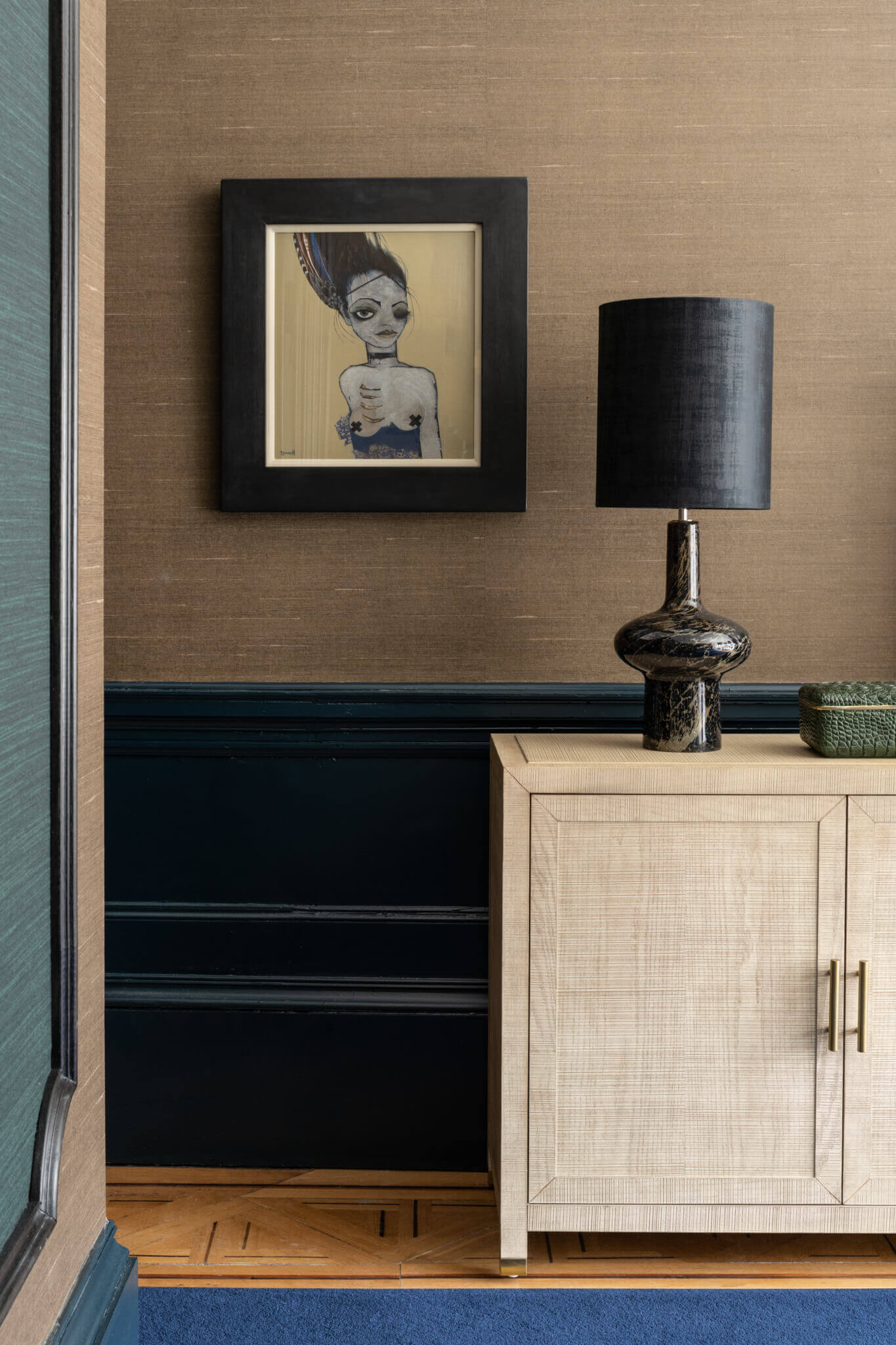 Print-Bed-Cabinet-and-Painting