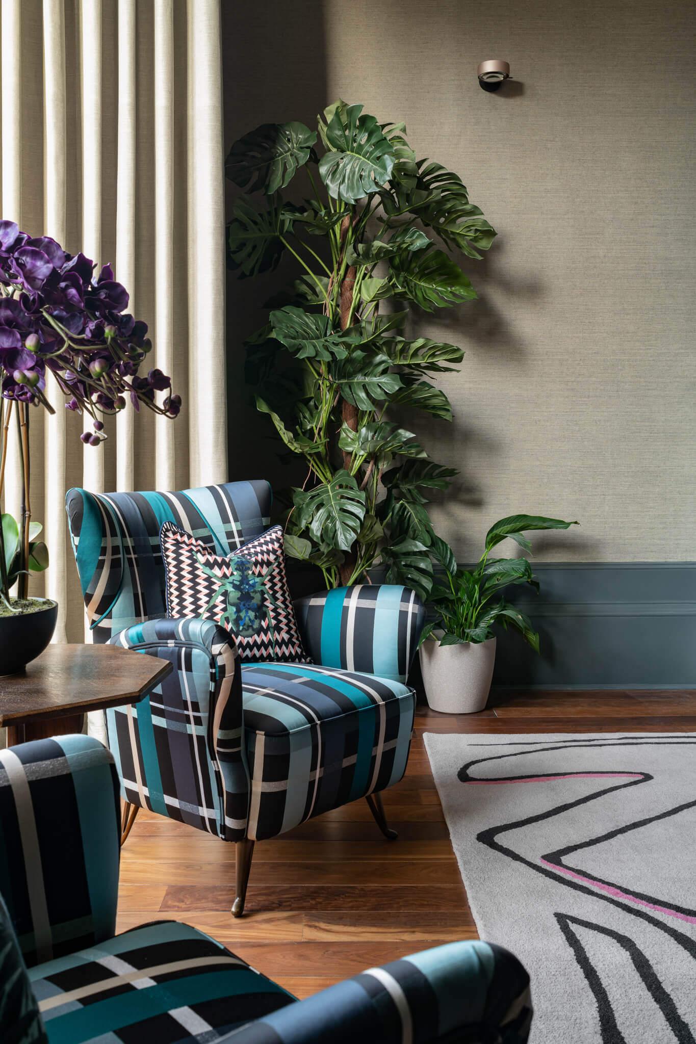 Print-Blue-Arm-Chair-Side-View