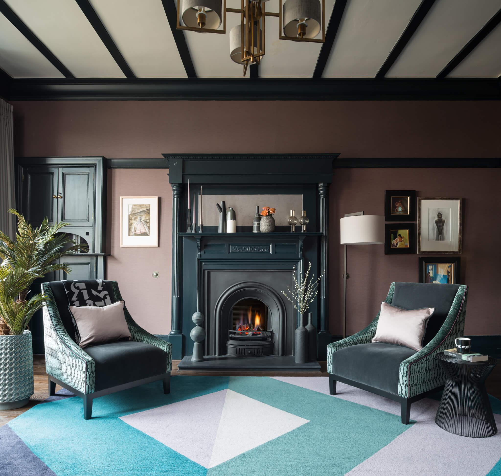 Print-Livingroom-to-fire-Chelsea-Mclaine-Interiors-Introductory-Shoot-©ZACandZAC