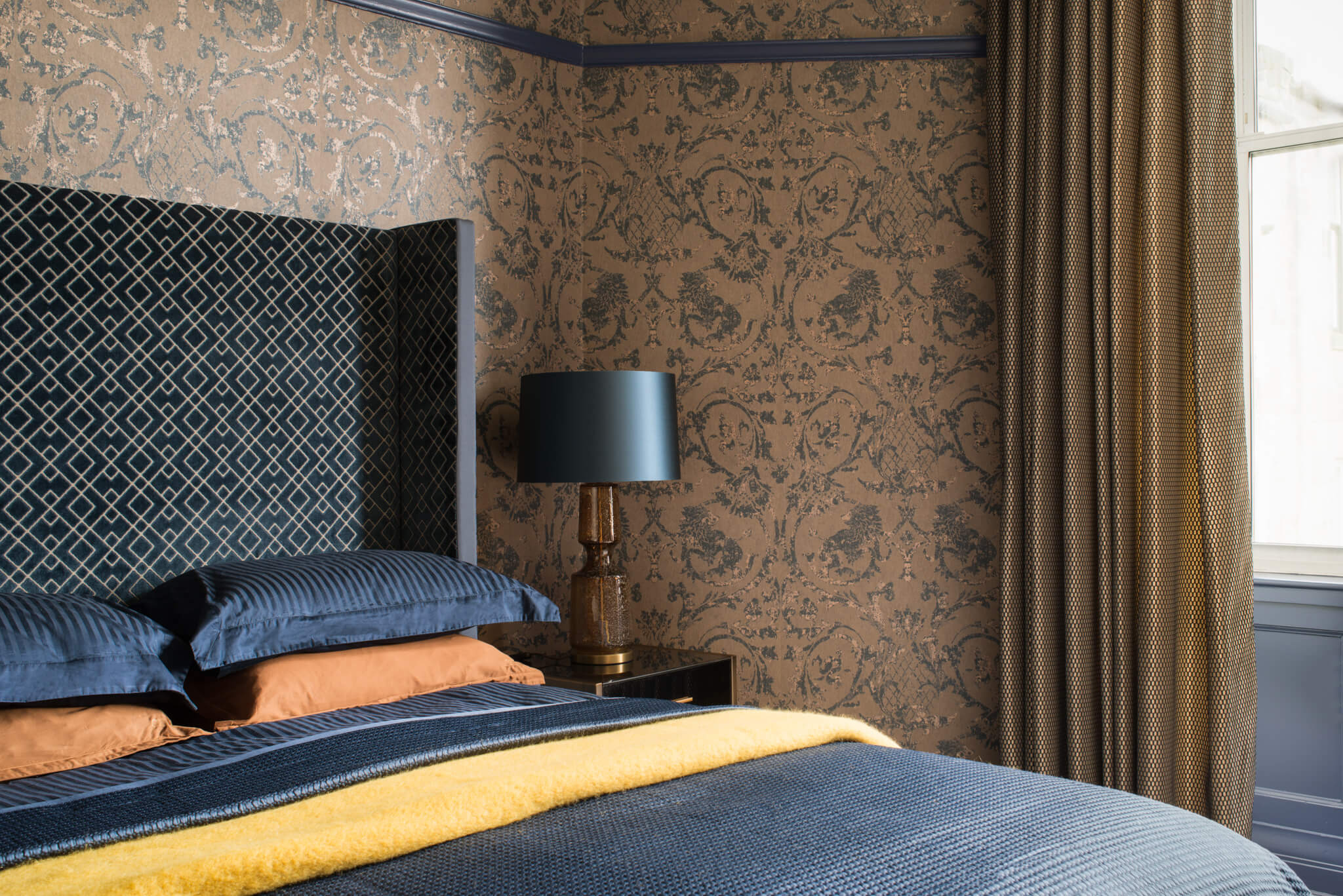 Print-Masterbedroom-Across-Bed-Chelsea-Mclaine-Interiors-Introductory-Shoot-©ZACandZAC